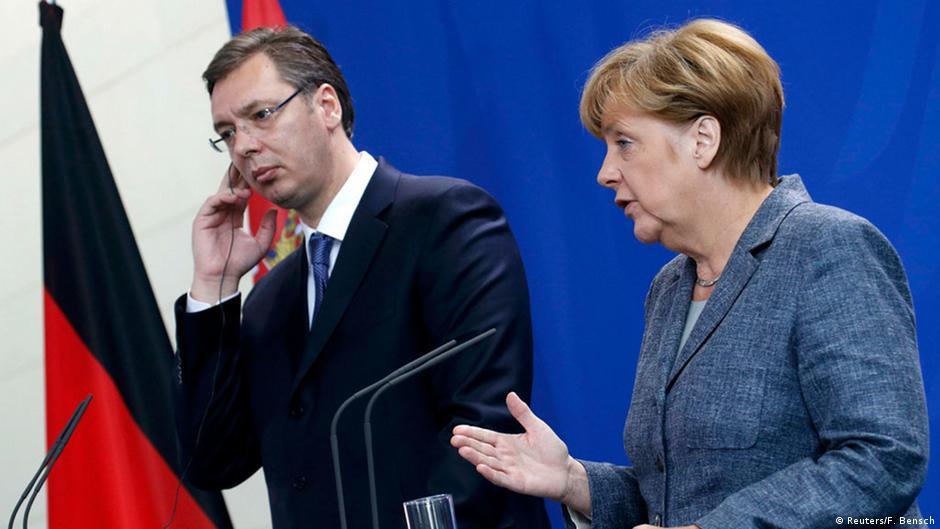 Merkel dhe Vuçiq takohen në Paris