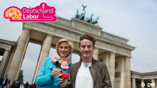 DEUTSCHKURSE   Das Deutschlandlabor Folge 16 mit Logo