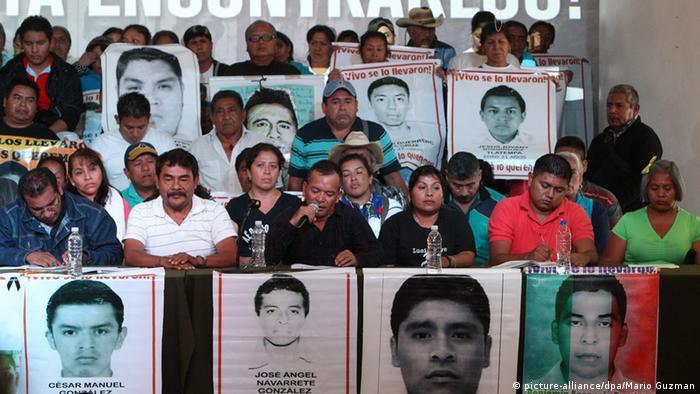 México: Peña Nieto quiere reunirse con padres de los 43