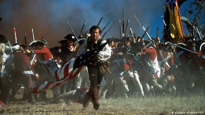 امریش در سال ۲۰۰۰ ماجرایی تاریخی را دستمایهی فیلم خود قرار داد. فیلم میهنپرست با بازی مل گیبسون به جنگهای انقلاب آمریکا (سالهای ۱۷۷۵ تا ۱۷۸۳ میلادی) میپردازد. گیبسون در این فیلم نقش مردی تنها را در کارولاینای جنوبی ایفا میکند که علیه ارتش بریتانیا میجنگند و به یکی از چهرههای استقلالطلبی آمریکا بدل میشود. این فیلم نیز از لحاظ گیشه موفق بود. تصویر: مل گیبسون در نمایی از فیلم میهنپرست.