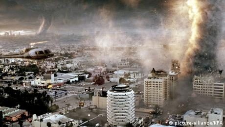 Film still: The Day After Tomorrow, tornadoes in LA (picture-alliance/KPA)