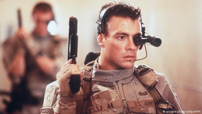 امریش فیلمهای بعدی خود در آلمان را نیز در ژانر آثار اکشن و علمیتخیلی ساخت. چندی نگذشت که راه امریش به هالیوود باز شد. فیلم سرباز جهانی که در سال ۱۹۹۲ به سینماهای جهان راه یافت، نه تنها امریش را به عنوان کارگردان که ژان کلود وندم (تصویر) را به عنوان بازیگر به شهرت رساند. این فیلم که با بودجهای ۲۳ میلیون دلاری ساخته شده بود، بیش از ۱۰۲ میلیون دلار در سراسر جهان فروش داشت.