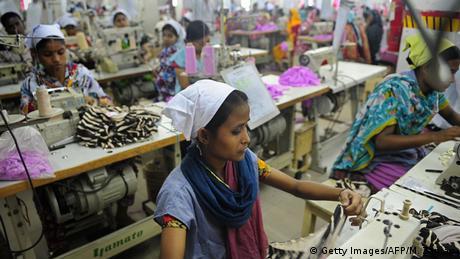 Bangladesch Dhaka Textilfabrik Frauen Arbeiter