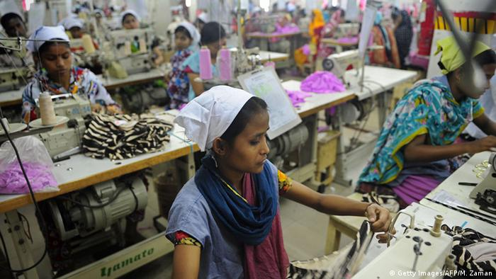 Bangladesh: Sewing full-time for 61 euros a month | World ...