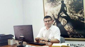 Qamil Xhani Koha Jone Newspaper Internationales Treffen Tirana Albanien Frieden ist immer möglich Religionen und Kulturen im Dialog (Arben Muka)