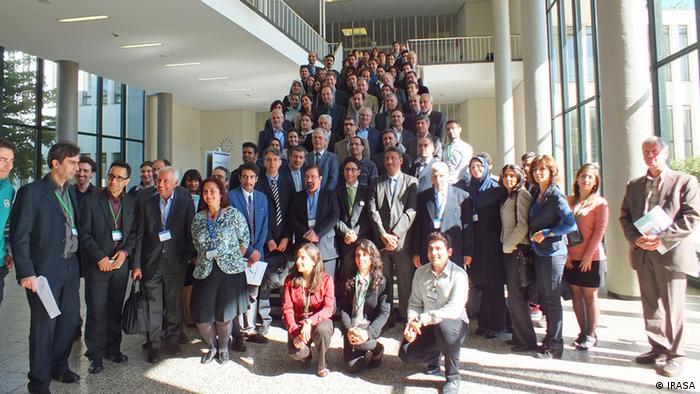 عکس گروهی شرکتکنندگان در همایش علوم و تکنولوژیهای نوین برای توسعه پایدار در ایران