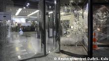 Türkei Zentrale der Tageszeitung Hurriyet in Istanbul nach Proteste