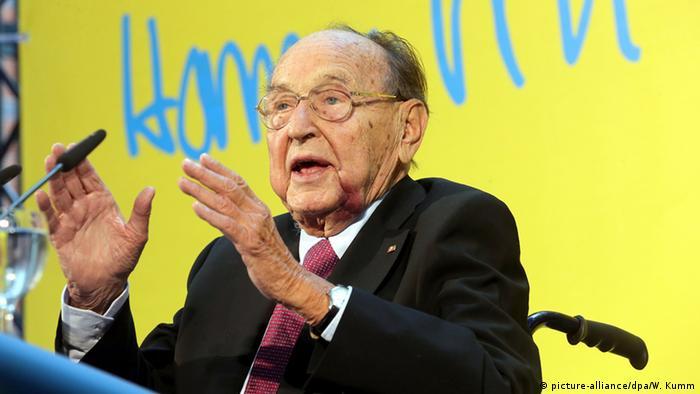 Hans-Dietrich Genscher na sede do Partido Liberal, em Berlim