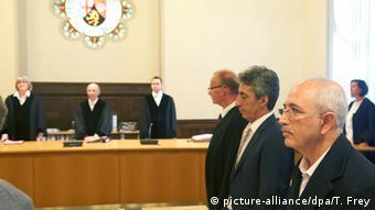 Koblenz'de görülen davada üç kişi casusluk iddiasıyla yargılandı