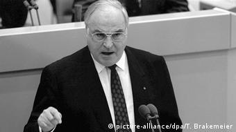 Deutschland Kohl stellt den Zehn-Punkte-Plan für die Wiedervereinigung vor