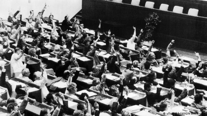 Deutschland DDR Volkskammer Abstimmung zum Beitritt