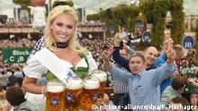 München Oktoberfest 2014 - Wiesnplaymate Denise Cotte