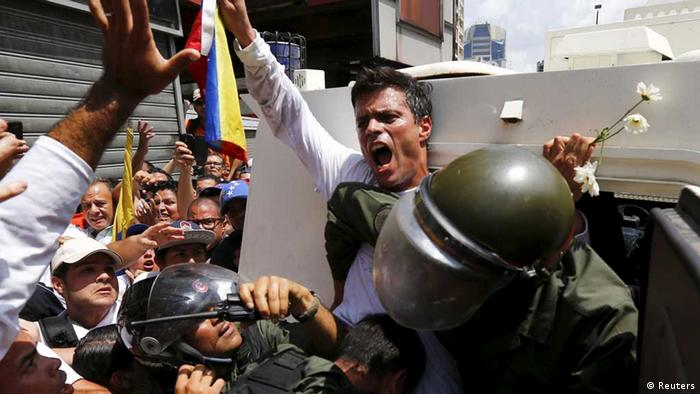 Leopoldo López, líder de la oposición venezolana, el día de su detención. (Feb. 2014)