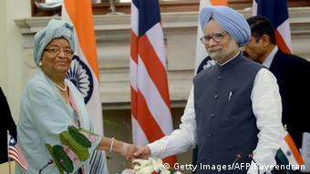 Indiens Einsatz in Afrika Singh mit Johnson-Sirleaf