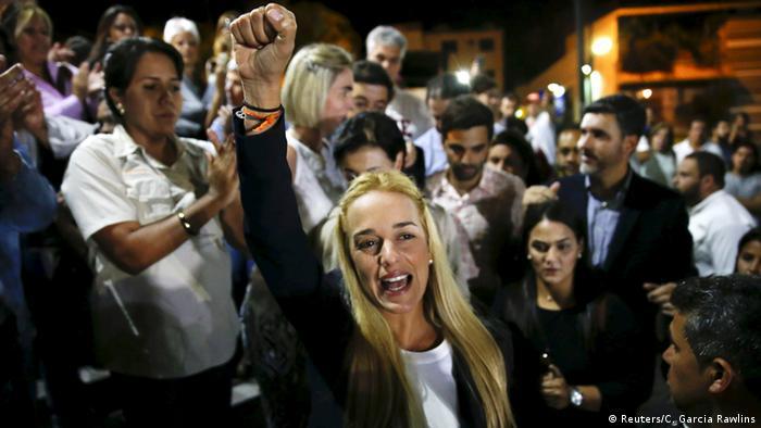 En nombre de su esposo, el líder opositor venezolano Leopoldo López, Lilian Tintori (foto) convocó a protestas antigubernamentales.