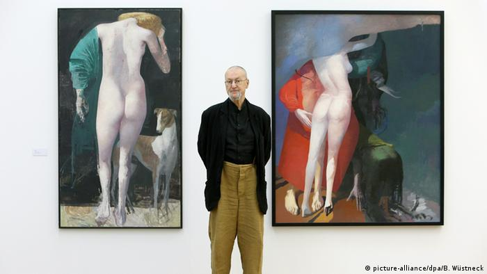 Rink with his paintings Diana (2002, left) and Unterm Tuch (2004) (picture-alliance/dpa/B. Wüstneck)