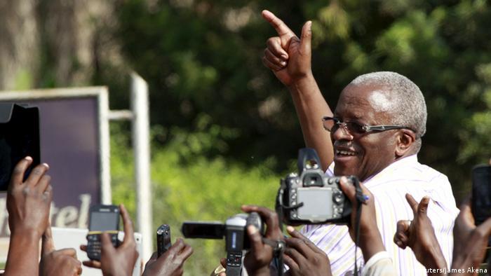 Amama Mbabazi campaigns
