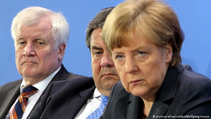 Symbolbild Asylpolitik Uneinigkeit Horst Seehofer Sigmar Gabriel Angela Merkel Flüchtlinge Flüchtlingspolitik Asyl Archiv