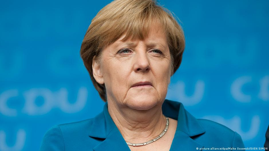Merkel's popularity sinks in recent polls | News | DW | 26.09.2015