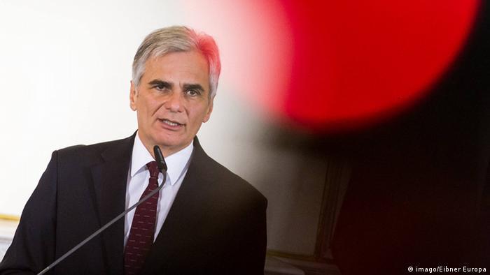 Chanceler federal da Áustria, Werner Faymann, renuncia