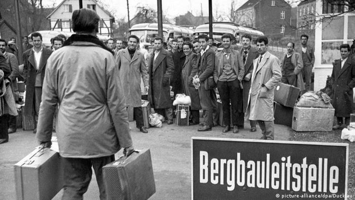 Griechische Gastarbeiter im Ruhrgebiet (Ohne Schild)