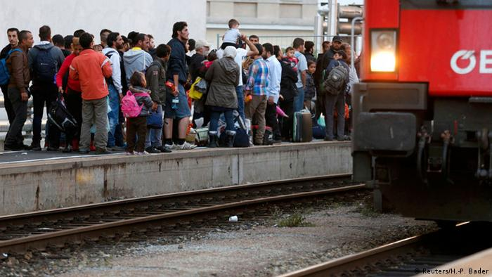 Train service resumes between Austria and Germany reimposed border