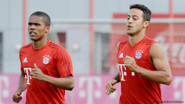 Douglas Costa y Thiago Alcantara, los dos jugadores llamados a marcar la diferencia en el Bayern Múnich.