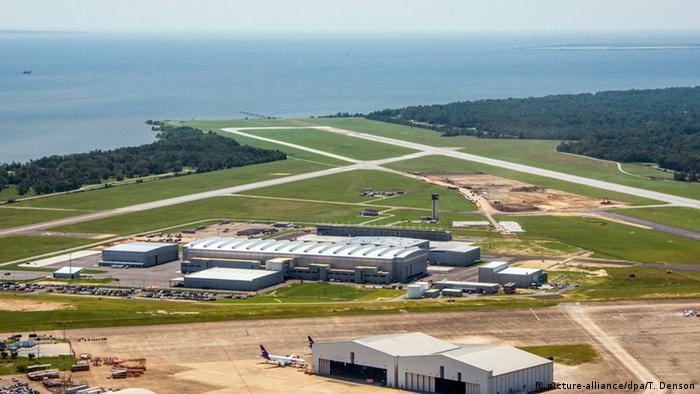Вид с воздуха на новый завод Airbus в американском городе Мобиле