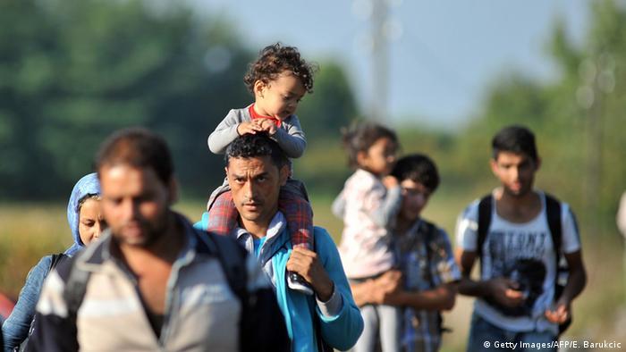 Refugiați la granița dintre Ungaria și Serbia