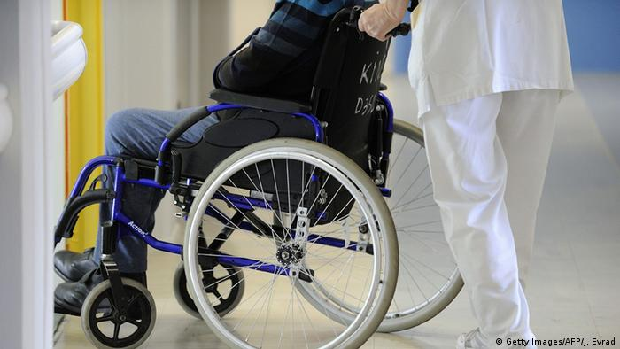 Symbolbild - Rollstuhl