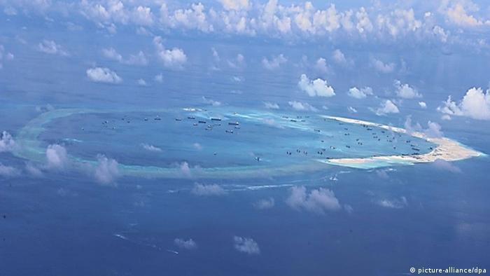 Südchinesisches Meer Chinesische Bauaktivität auf den Spratly-Inseln (picture-alliance/dpa)