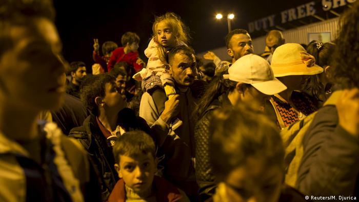 Serbien Flüchtlinge an der Grenze zu Ungarn