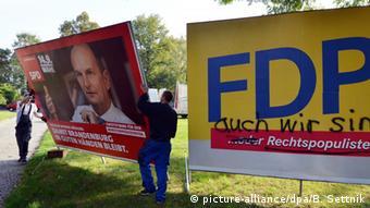 Deutschland BdT Abbau Wahlplakate in Potsdam