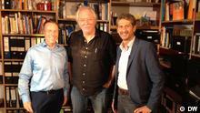Bildunterschrift : Regisseur Wolfgang Becker mit den DW-Kinomoderatoren Scott Roxborough und Hans Christoph von Bock.