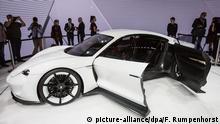 Ein Porsche Mission E Concept Cat steht am 15.09.2015 in Frankfurt am Main (Hessen) am ersten Pressetag der Internationalen Automobilausstellung (IAA) in Frankfurt am Main (Hessen). Vom 17. bis zum 27. September zeigen Hersteller aus der ganzen Welt hier Neuheiten der Automobilindustrie. Foto: Frank Rumpenhorst/dpa