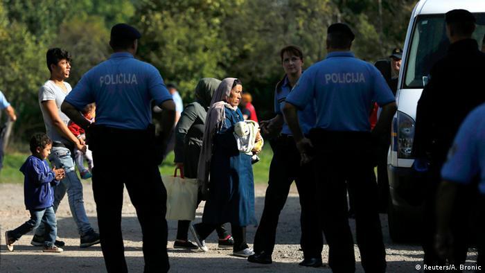 Kroatien Serbien Flüchtlinge bei Tovarnik