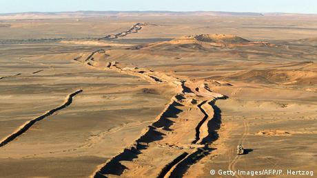 Grenze zwischen Marokko und Mauretanien Sandwall