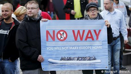 Deutschland Widerstand der NPD Anhänger gegen die Aufnahme von Flüchtlinge