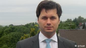 O Λάζαρος Μηλιόπουλος είναι πολιτικός επιστήμονας στο Πανεπιστήμιο της Βόννης