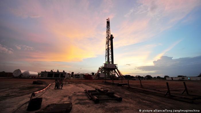 A derrick atop an oil well in Sudan