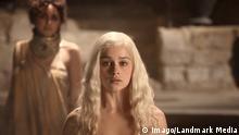 Emilia Clarke Los Angeles.CA.USA. Emilia Clarke as Daenerys Targaryen in a scene from the ©HBO TV series, Game of Thrones (TV0 (2011) (S1E1)LMK112-LIB190315-001. PUBLICATIONxINxGERxSUIxAUTxONLY Emilia Clarke Los Angeles Approx USA Emilia Clarke As in a Scene from The TV Series Game of Throne 2011 001 PUBLICATIONxINxGERxSUIxAUTxONLY