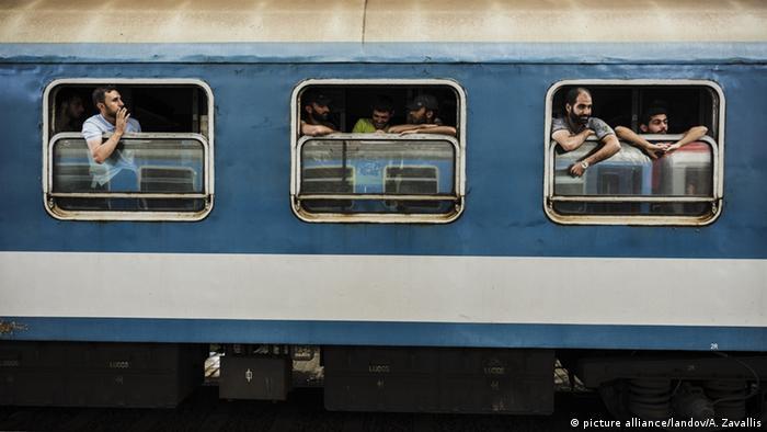 Flüchtlinge im Zug (Foto: Achilleas Zavallis/UPI /LANDOV )