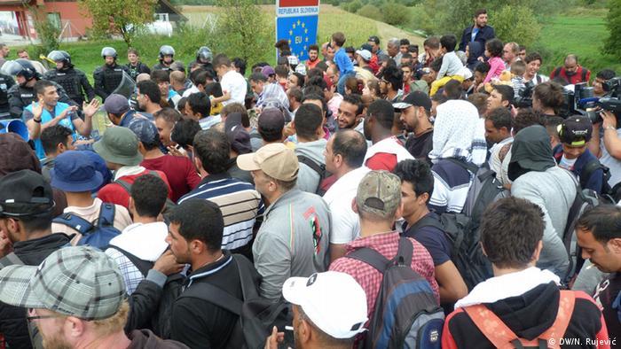 Flüchtlinge an der kroatisch-serbischen Grenze Gewalt
