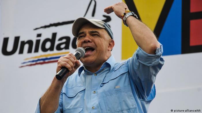 """Jesús """"Chúo"""" Torrealba, secretario ejecutivo de la coalición de partidos antichavistas."""