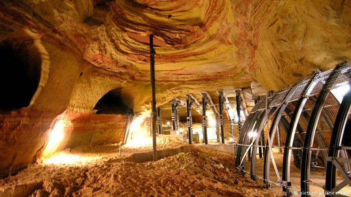 Deutschland Schlossberghöhlen in Humburg
