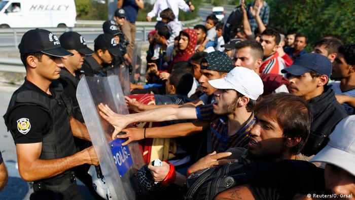 Prolaza za sada nema. Granice će ostati zatvorene, kažu turske vlasti