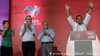 Ο Γκίζι με τον Τσίπρα στην τελευταία προεκλογική συγκέντρωση του ΣΥΡΙΖΑ