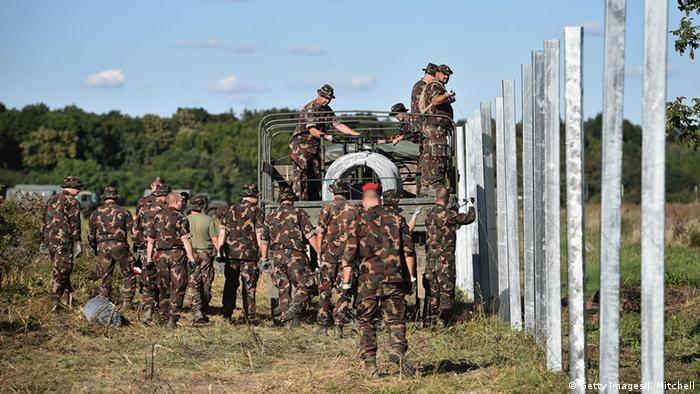 Ungarn, Soldaten an der Grenze zu Kroatien