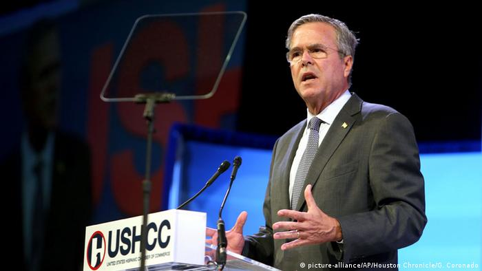 USA Jeb Bush am Rednerpult in Houston (Foto: picture-alliance/AP/Houston Chronicle/G. Coronado)