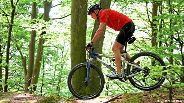 Symbolbild Mountainbike im Wald